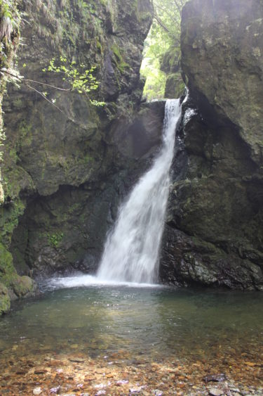 落差13メートルの直瀑